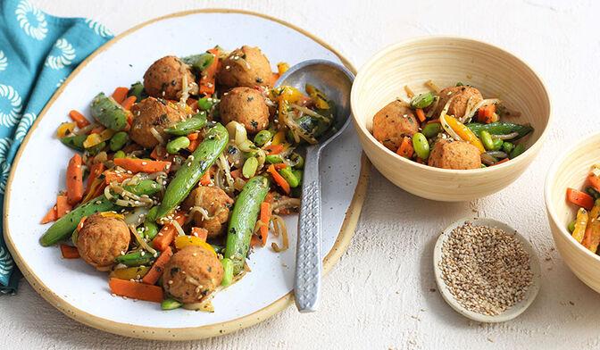 Boulettes de poulet aux légumes à la thaï