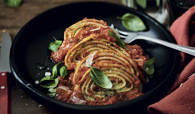 Roulés à la ricotta et aux épinards, sauce tomate