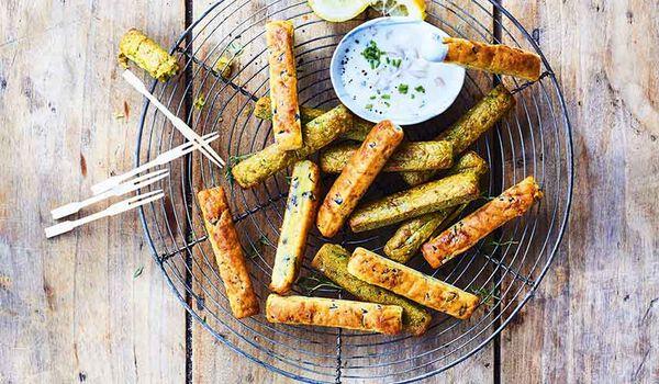 16 mini-sticks de cake et sauce au fromage frais