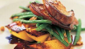 Salade un peu folle au foie gras