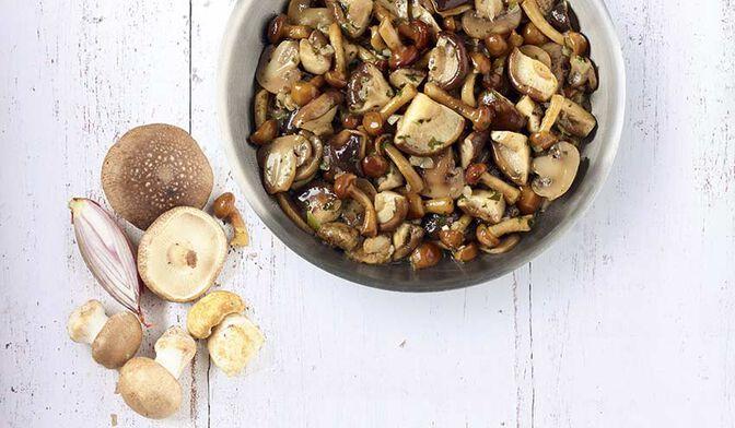 Mélange de champignons cuisiné au beurre et à l'échalote