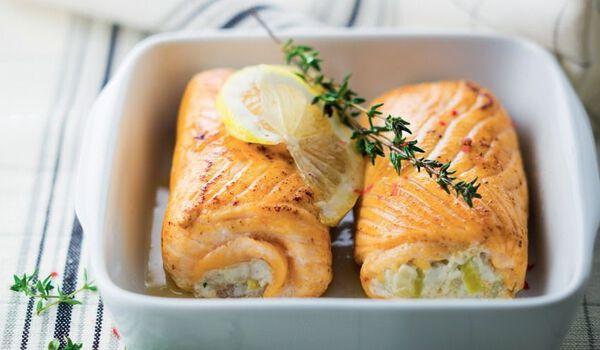 2 paupiettes de saumon aux poissons, aux poireaux