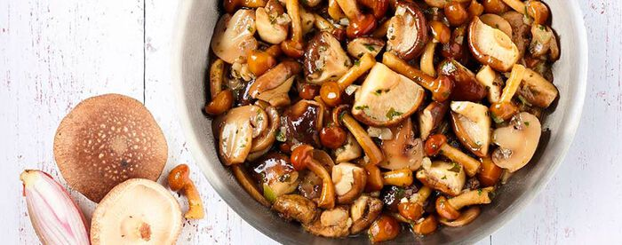 Mélange champignons cuisiné au beurre et échalotte