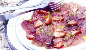 Carpaccio de bonite à la fraise