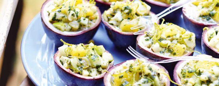 Tartare de dorade, fruits de la passion, pomme verte et ananas