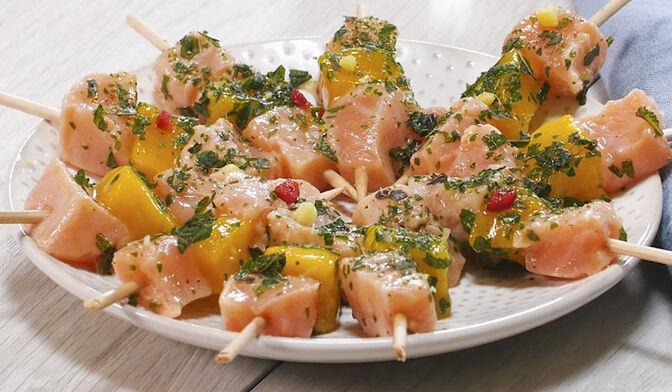 Bouchées de saumon et mangue à la Thaï