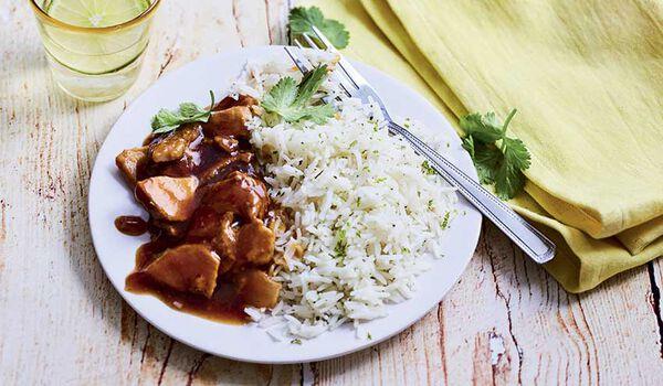 Porc au caramel et riz à la coriandre
