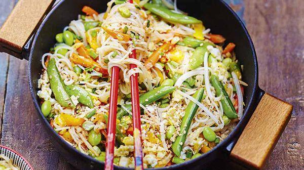Nouilles sautées aux légumes et sésame