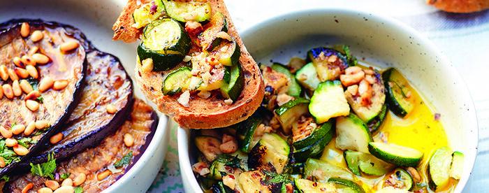 Courgettes et aubergines marinées au vinaigre, ail et menthe par Alba Pezone