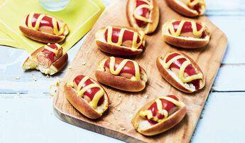 8 mini hot-dogs