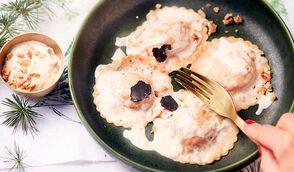 Ravioles aux cèpes, sauce à la truffe et aux noix