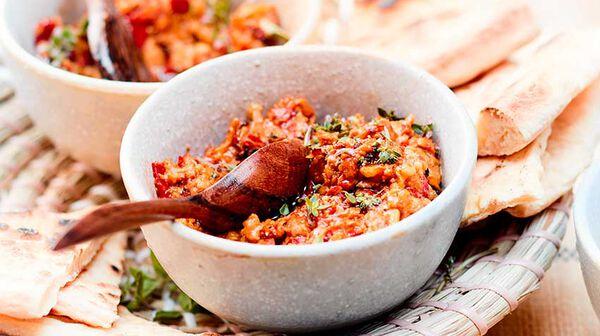 Muhammara, tartinade aux poivrons et aux noix