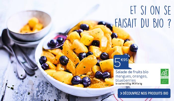 Salade de fruits bio mangues, oranges, blueberries